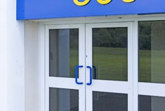 What are the features of commercial door closers?